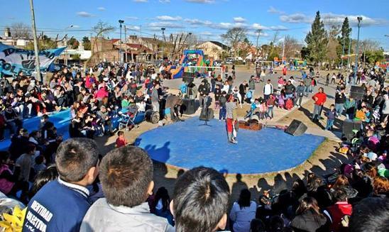 pag.4_Dia del niño en Plaza Etcheverry 1