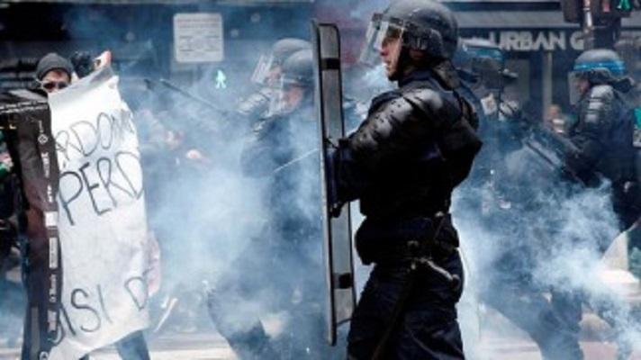 Photo of Francia: Nueva noche de violencia en la periferia de París