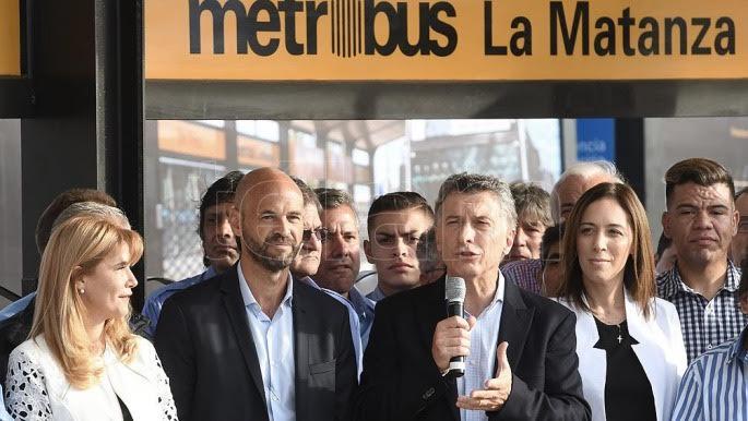 Photo of Reclamos e ironías en la inauguración del primer tramo del Metrobús