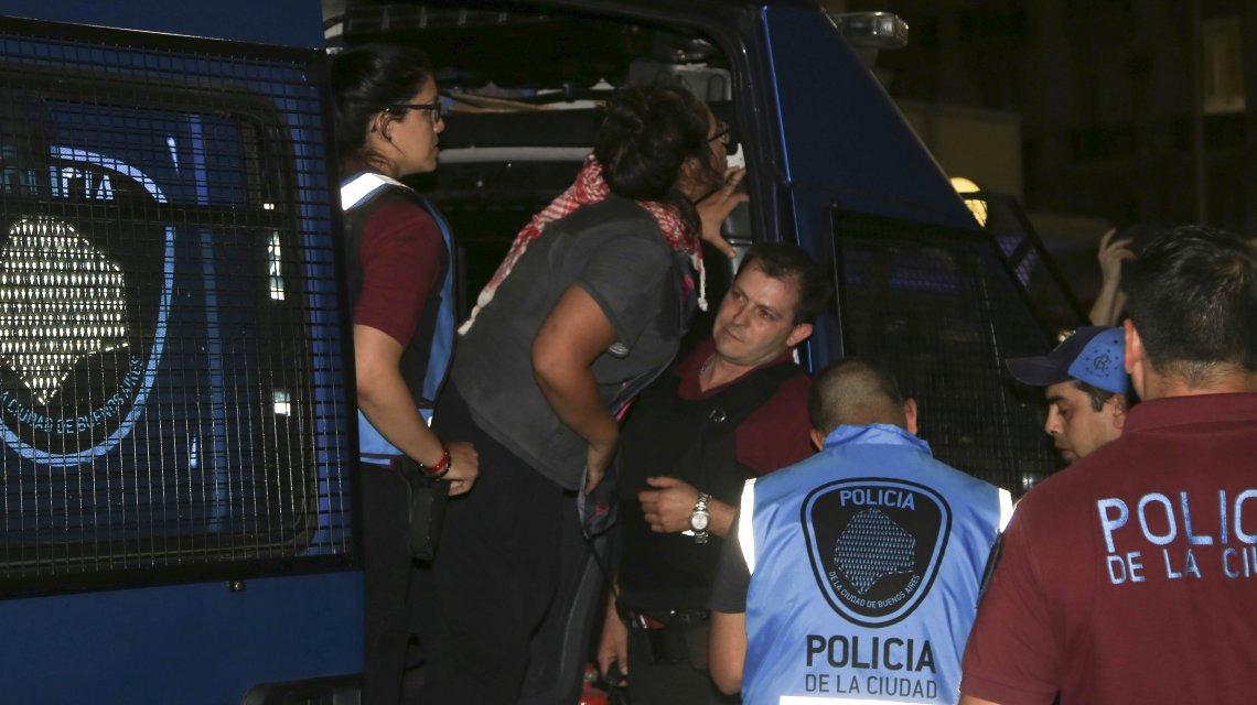 Photo of Tras los incidentes en la marcha contra la cumbre de la OMC hubo detenidos