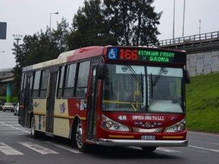 Paro de colectivos: la línea 166 no presta servicio por el ataque a conductor