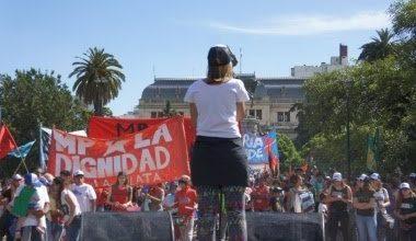 """Photo of La Plata: una nueva """"marcha de la gorra"""" busca instalar la criminalización de la juventud pobre"""