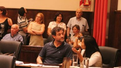 Photo of La última sesión ordinaria del HCD de Morón terminó en escándalo, por el regreso del busto de Néstor a la Plaza