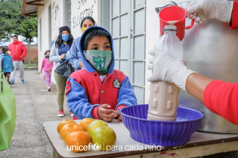 La pobreza infantil aumentó casi un 20 por ciento debido a la pandemia