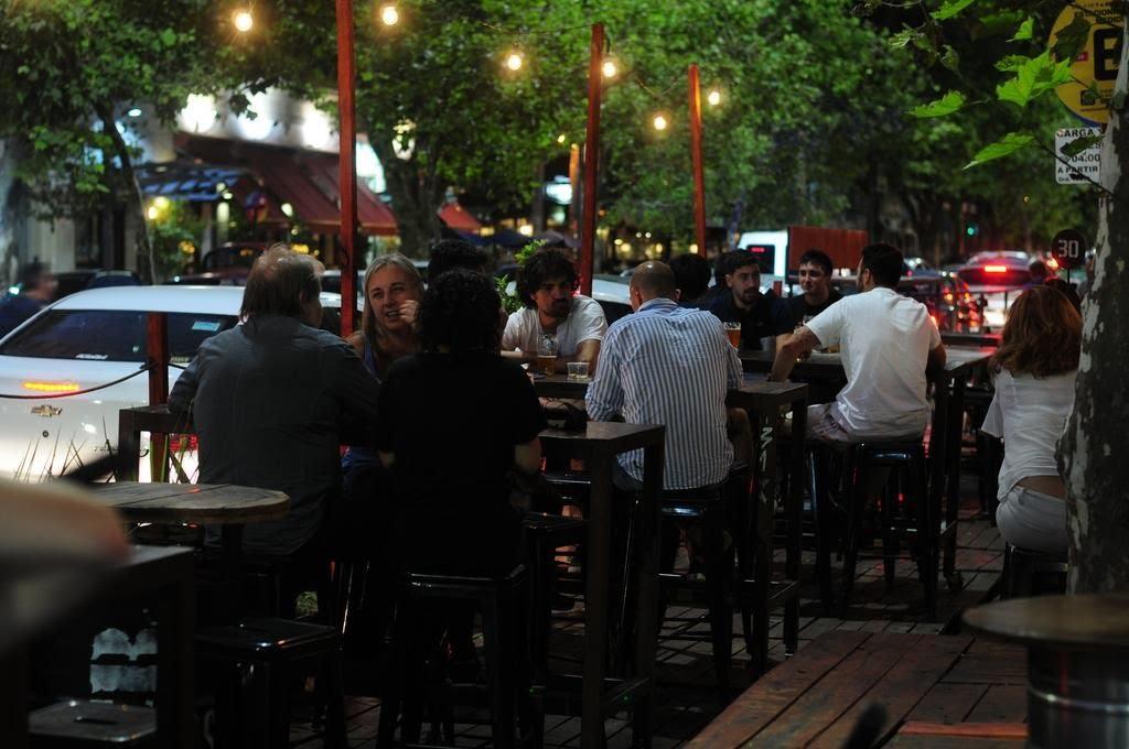 Desde este fin de semana se eliminarán las restricciones horarias nocturnas en La Plata