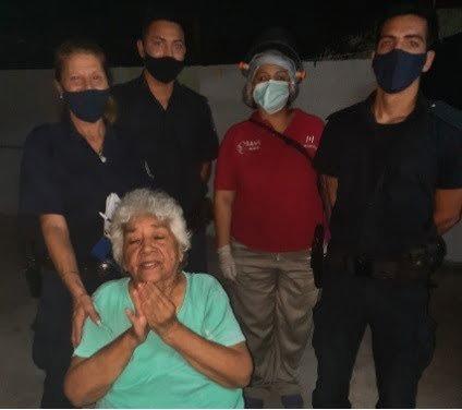 Policías le salvan la vida a un abuelo que se estaba ahogando en Morón